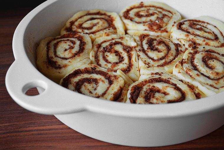 cinnamon-rolls14_acookscanvas-copyright2012-2016_71-copy