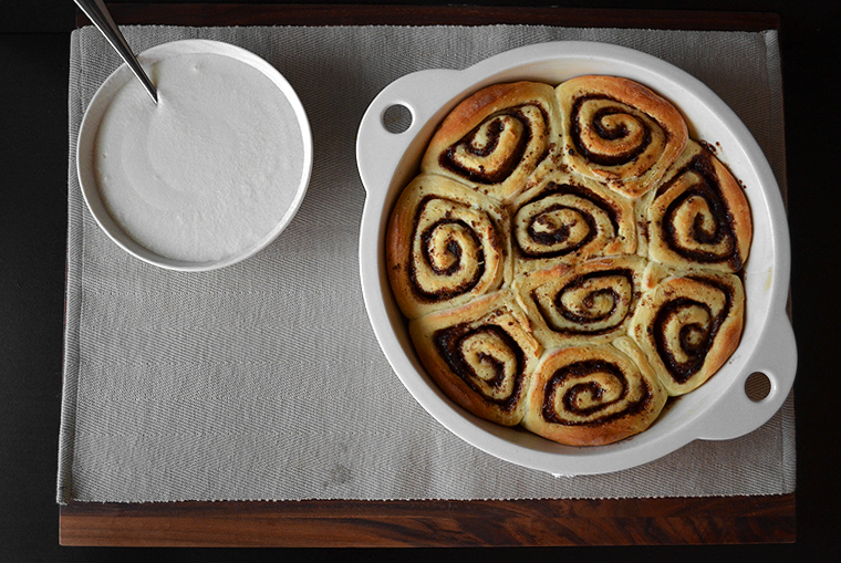 cinnamon-rolls15_acookscanvas-copyright2012-2016_71-copy