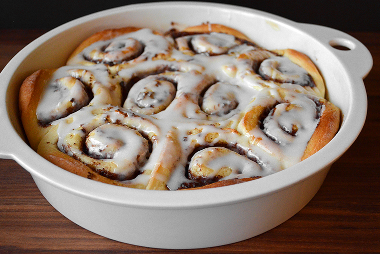 cinnamon-rolls18_acookscanvas-copyright2012-2016_71-copy