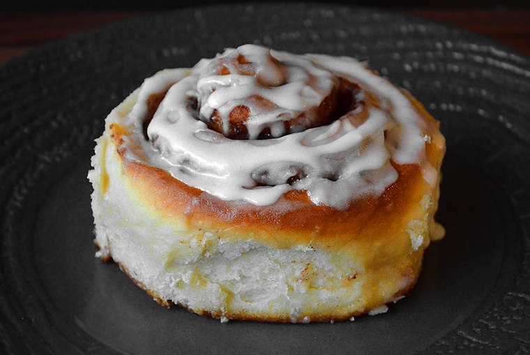 cinnamon-rolls20_acookscanvas-copyright2012-2016_71-copy