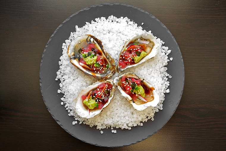 oysters11_boathousetraversecity_acookscanvas-copyright2012-2017_71