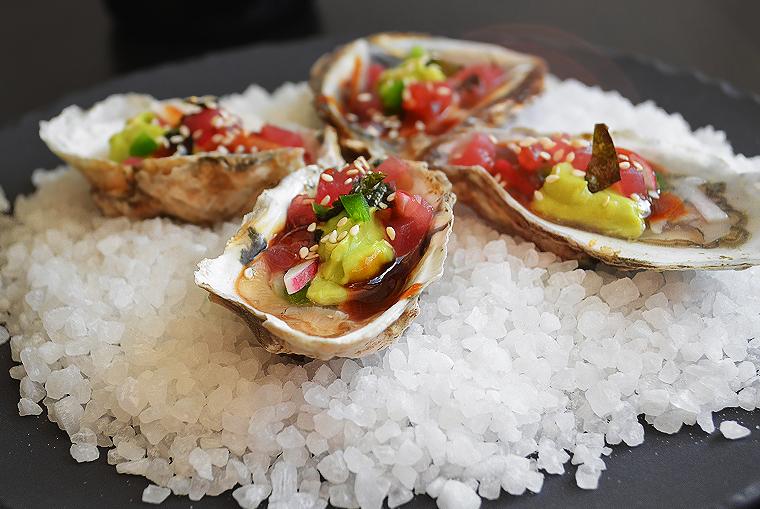 oysters16_boathousetraversecity_acookscanvas-copyright2012-2017_71