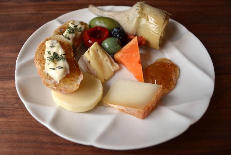 French cheeses_Revol12_acookscanvas-copyright2012-2017_84