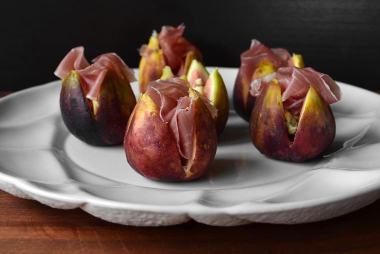 Fresh figs with gorgonzola6_acookscanvas-copyright2012-2017_84-Recovered