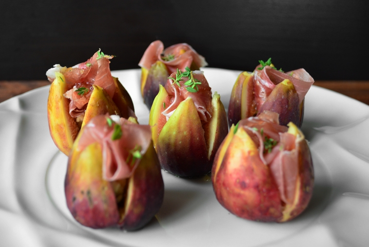 Fresh figs with gorgonzola8_acookscanvas-copyright2012-2017_84-Recovered