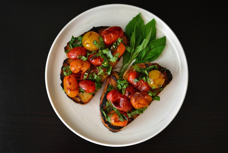 Grilled Tomato Bruschetta11_acookscanvas-copyright2012-2017_90
